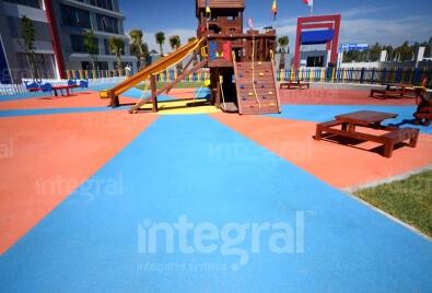 Application de plancher de terrain de jeu pour enfants